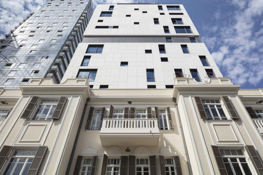 Renoma Hotel Image 2