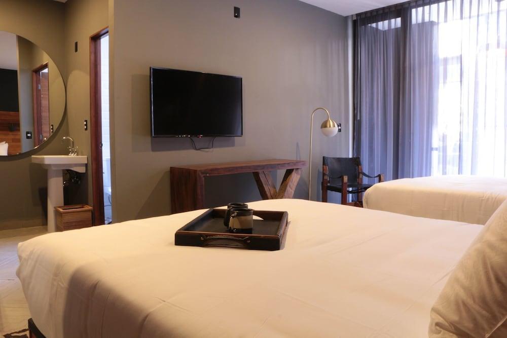 Hotel Emiliano, A Member Of Design Hotel, Leon Image 3
