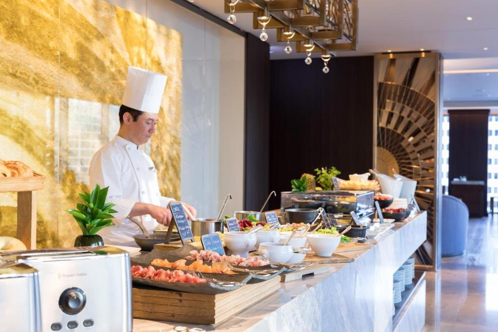 Four Seasons Hotel Tokyo At Marunouchi Image 11