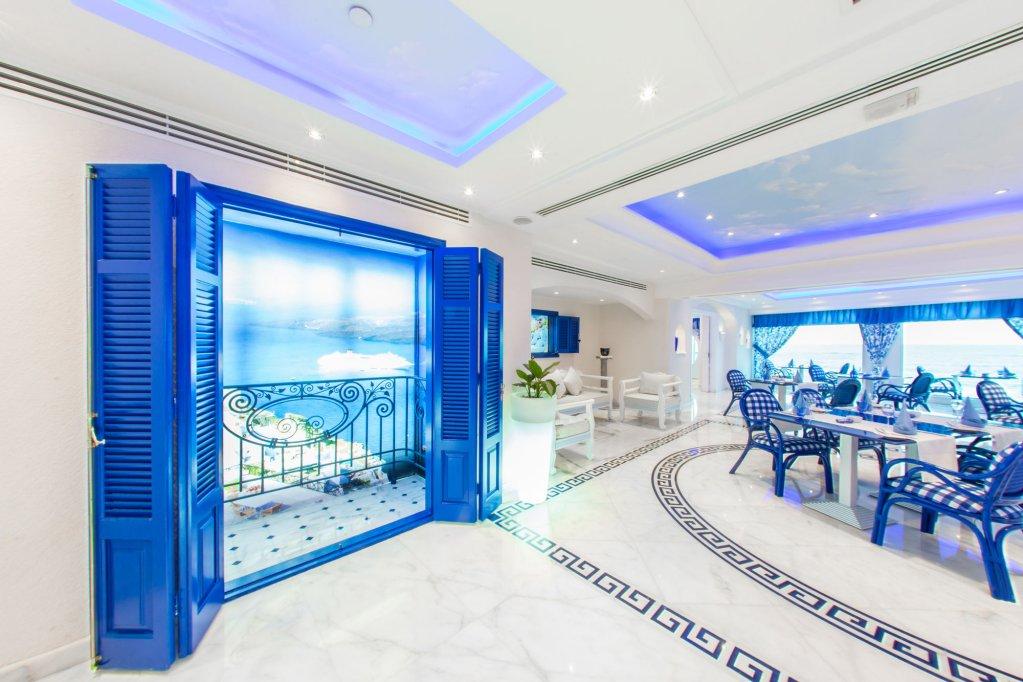Hilton Alexandria Corniche Image 9