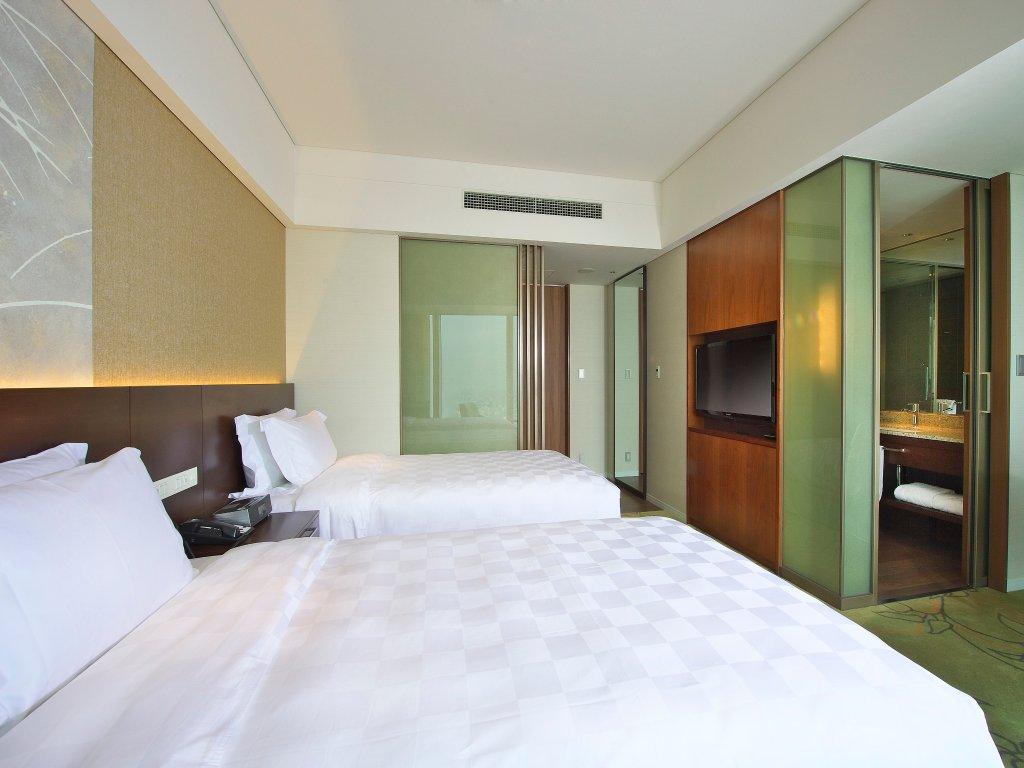Osaka Marriott Miyako Hotel Image 29