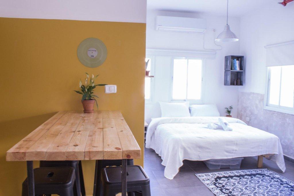 Rena's House, Tel Aviv Image 15