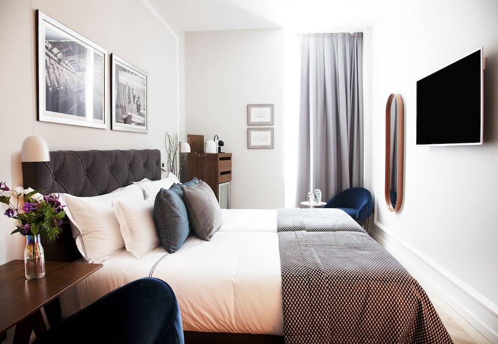 Lasala Plaza Hotel Image 0