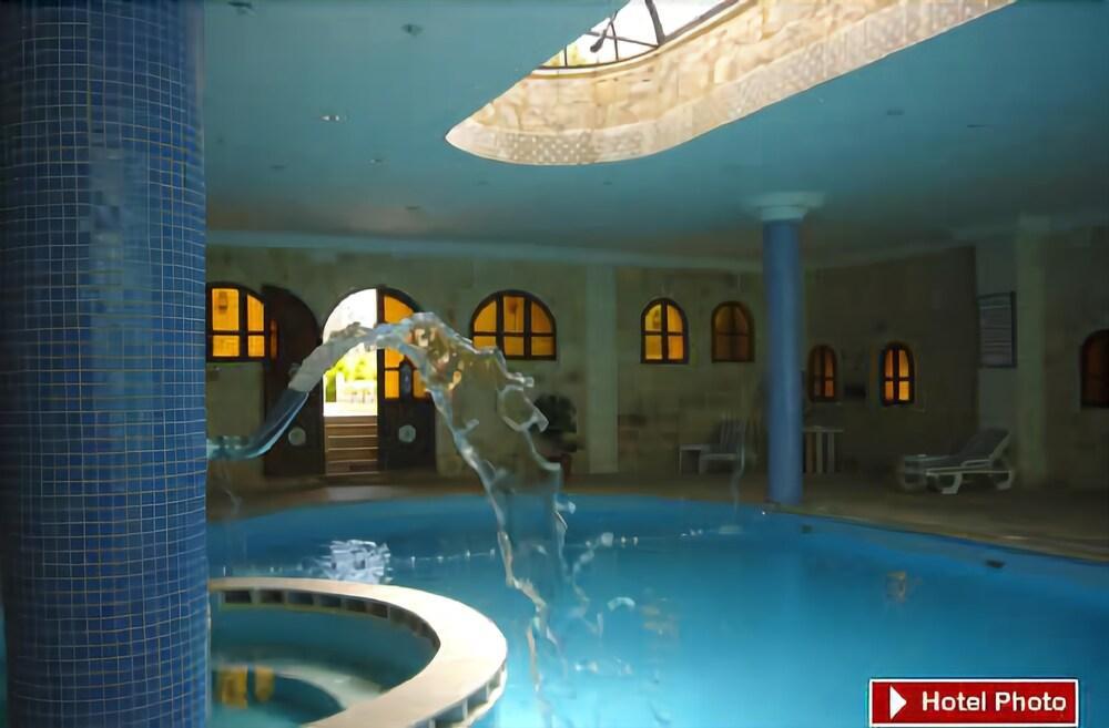 Amra Palace Hotel, Petra Image 6