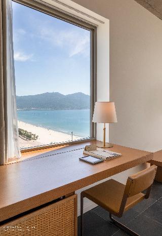 Chicland Danang  Beach Hotel Image 33