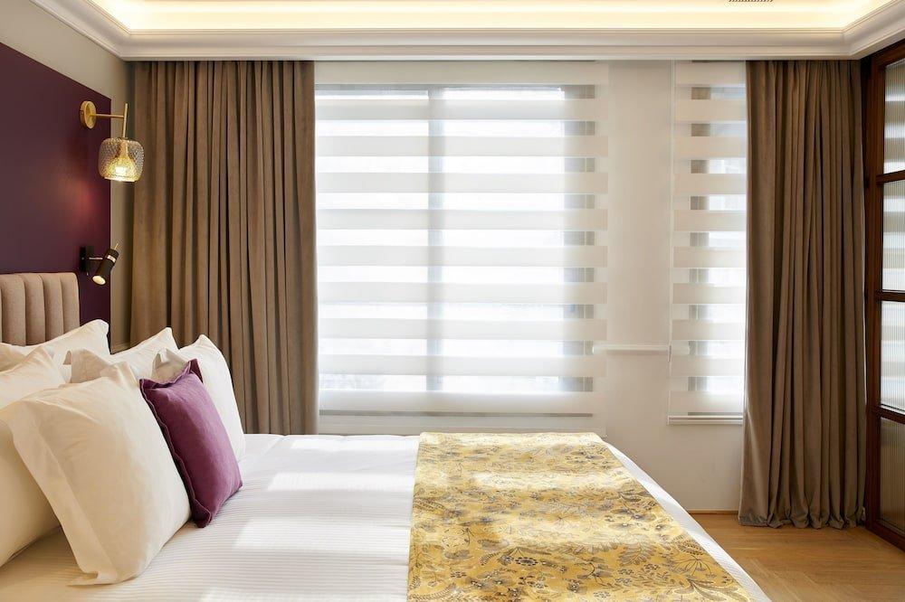 Excelsior Hotel Image 4