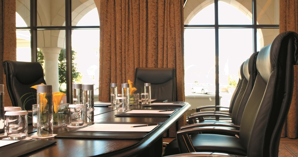Shangri-la Hotel Qaryat Al Beri, Abu Dhabi Image 8