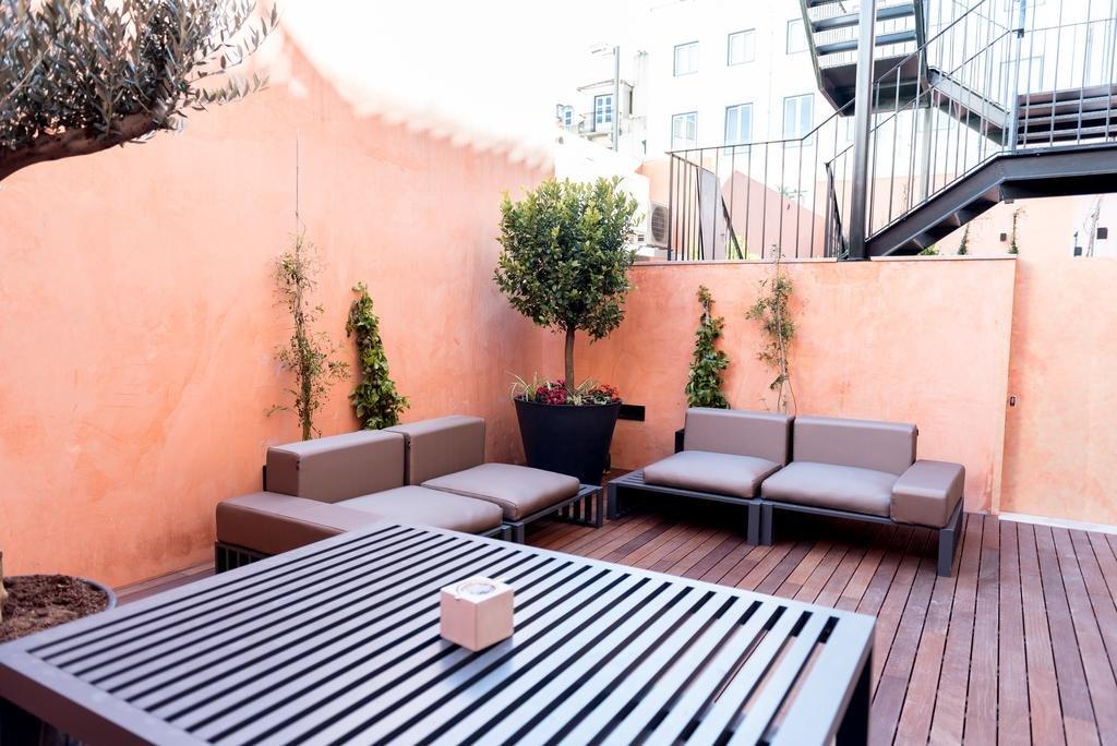 Flora Chiado Apartments Image 9