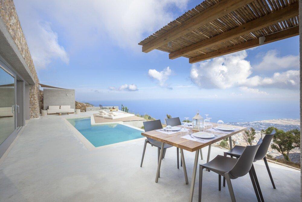 Santorini Heights Image 38