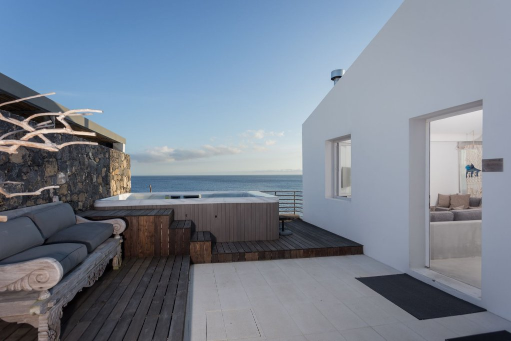 White Exclusive Suites & Villas, Lagoa Image 23